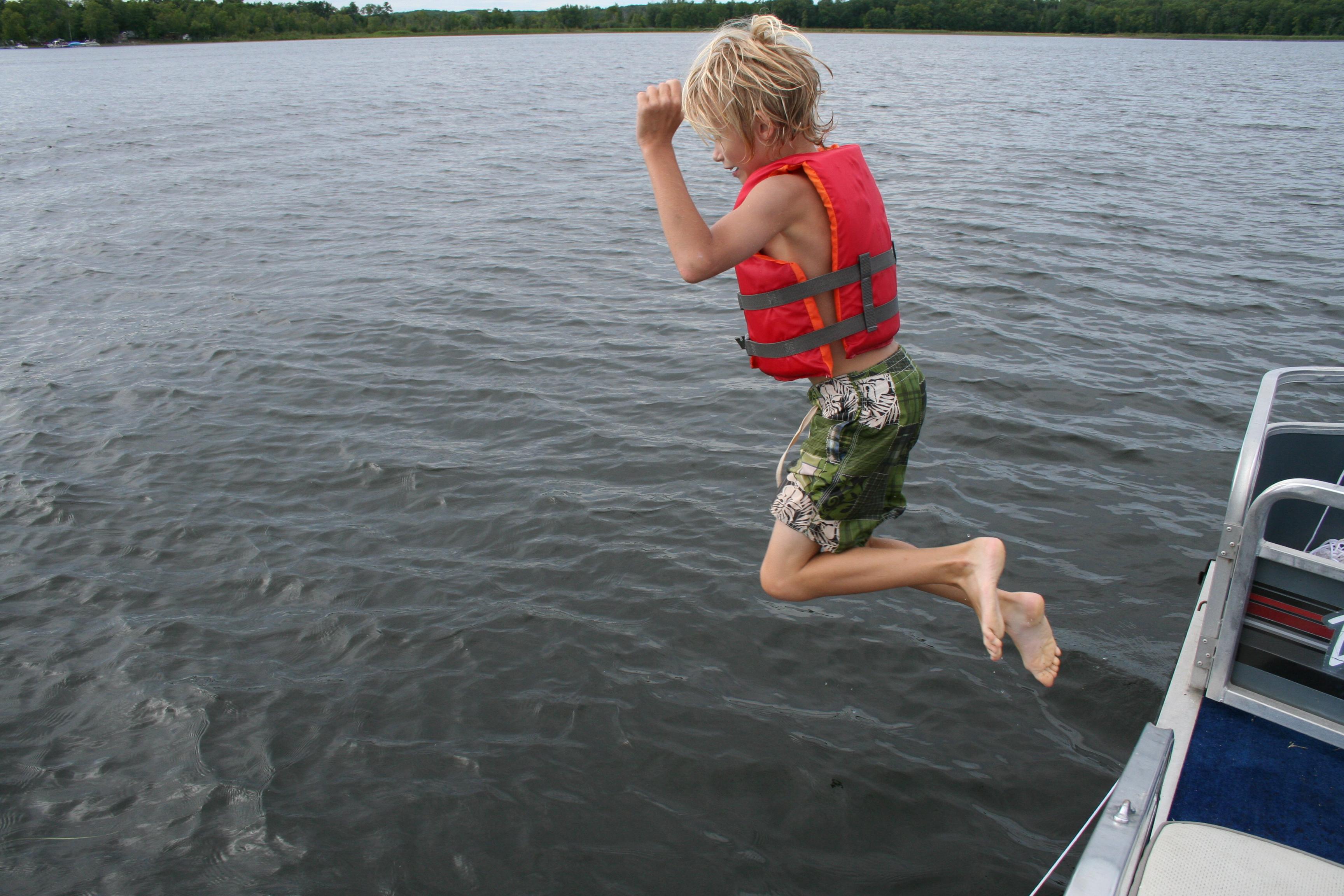 jump off the boat borealis