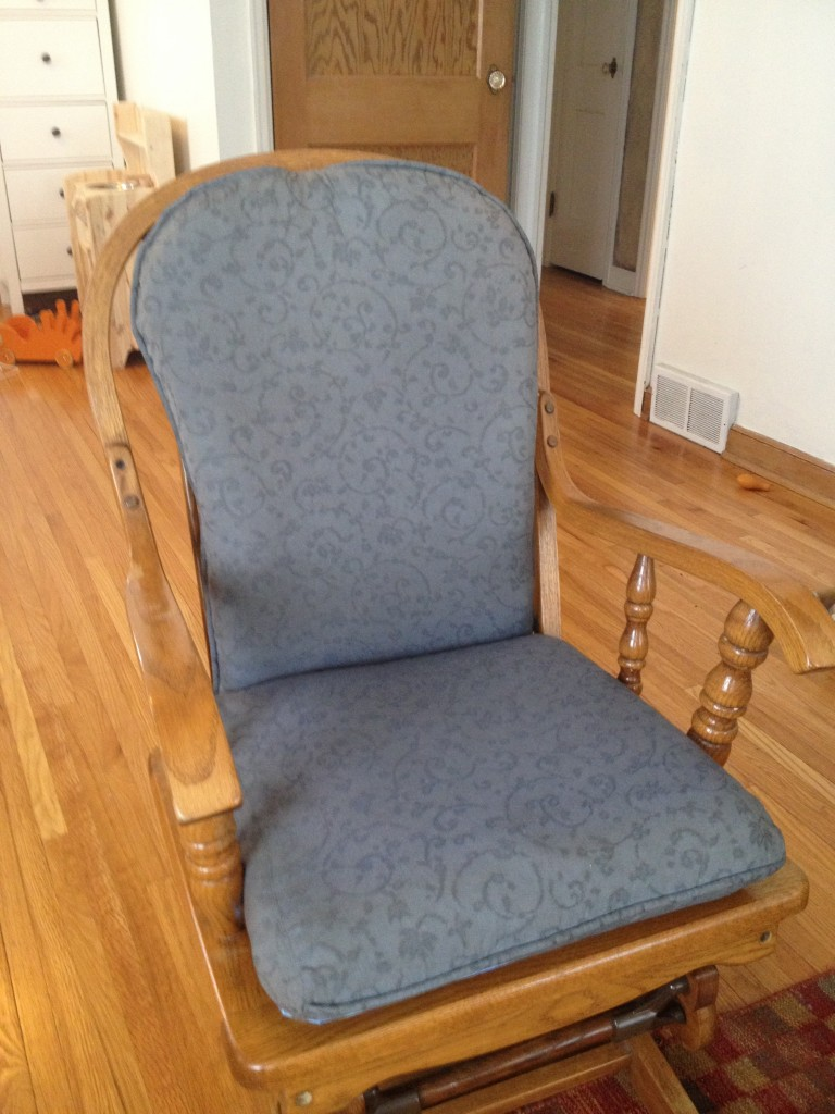 Chair dyed gray with idye