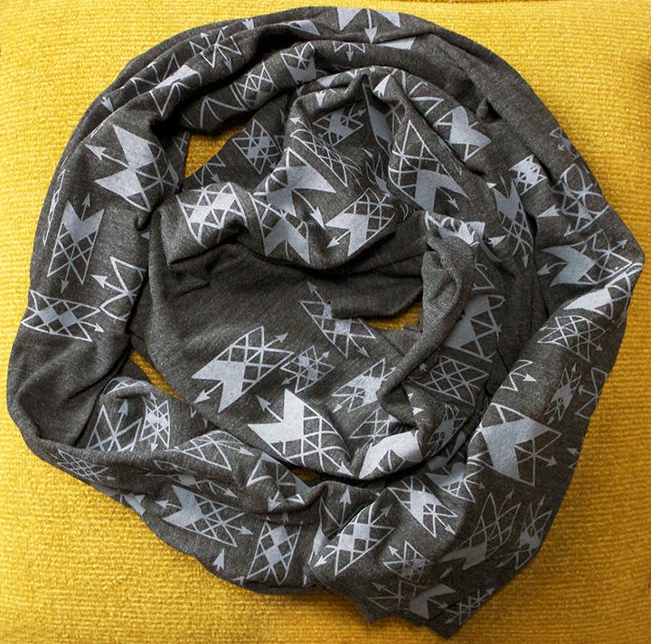 charcoalarrowsscarf1